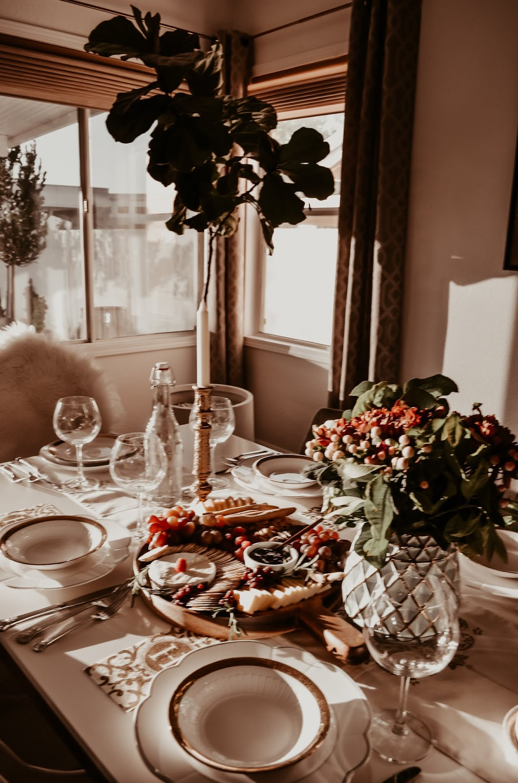 5 ways-to-host-a-thanksgiving-holiday-dinner-party-with-style