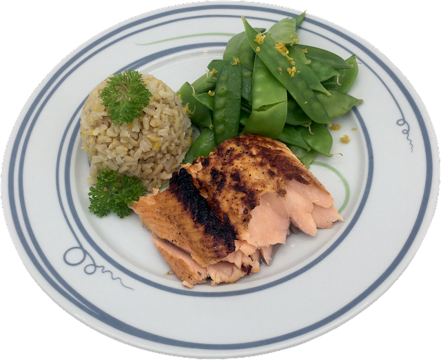 Healthy salmon meal on Livliga's Vivente dinner plate