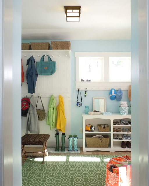 Better Homes and Gardens mudroom