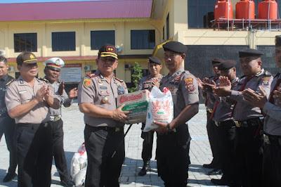 Pererat hubungan Antar Pimpinan dan Anggota, Kapolres Batubara Bagi Sembako