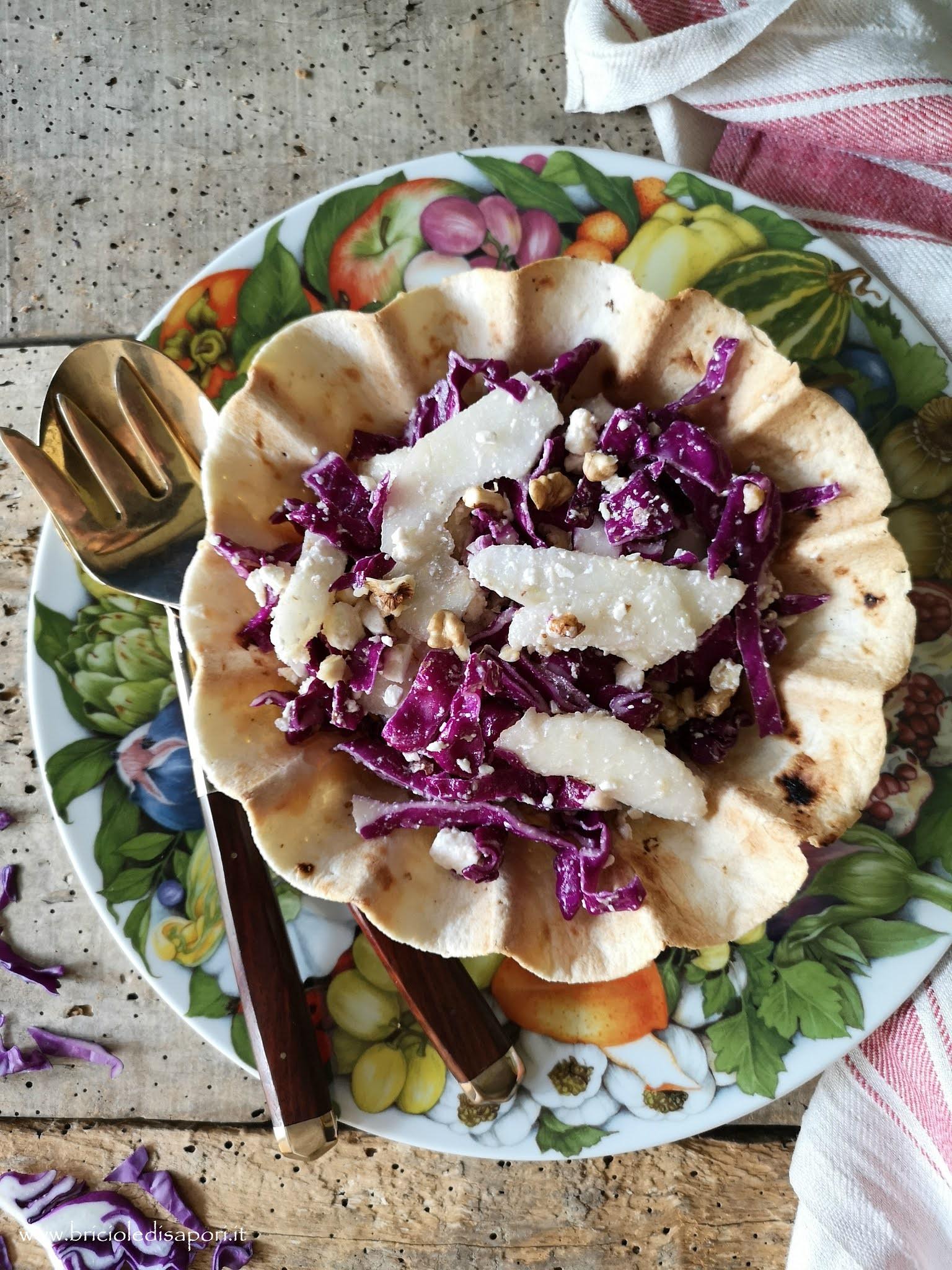 insalata di cavolo rosso pere feta noci e aceto balsamico