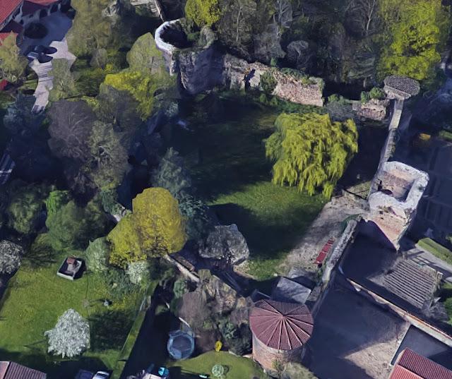 SAINT-LAURENT-DE-MURE (69) - Château-fort delphinal