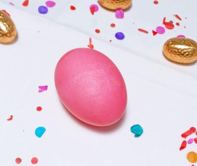 tenir-huevos-de-rosa