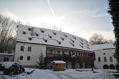 Cosa vedere ad Innsbruck: visita al Castello di Ambras con la neve