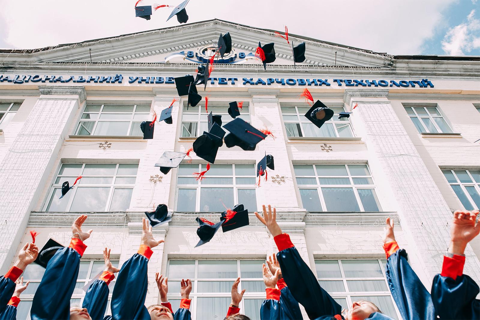 Dos estudiante de Orange School homologan su título en España, con el apoyo de Epysteme, y cursan su primer año de carrera
