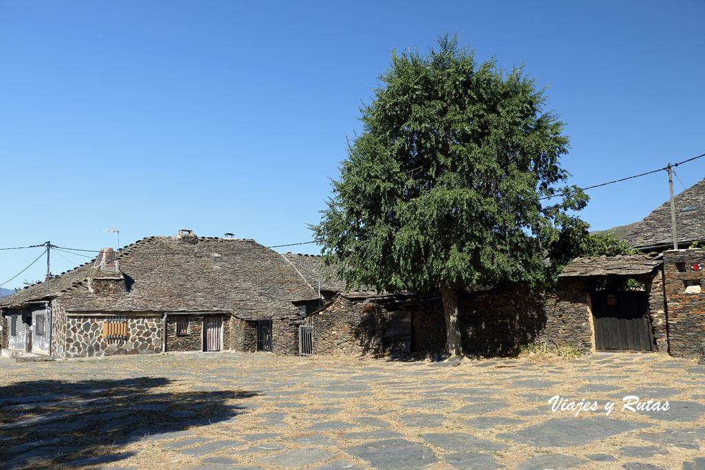 Pueblos negros de Guadalajara, Campillo de Ranas