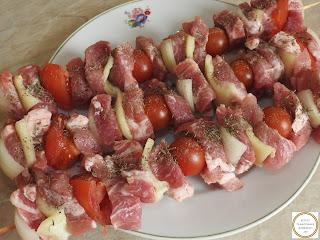 Frigarui din carne de porc reteta,
