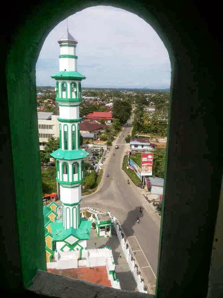 view dari menara masjid raya singkawang