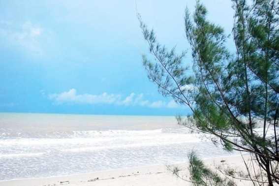 Pantai Muara Kintap
