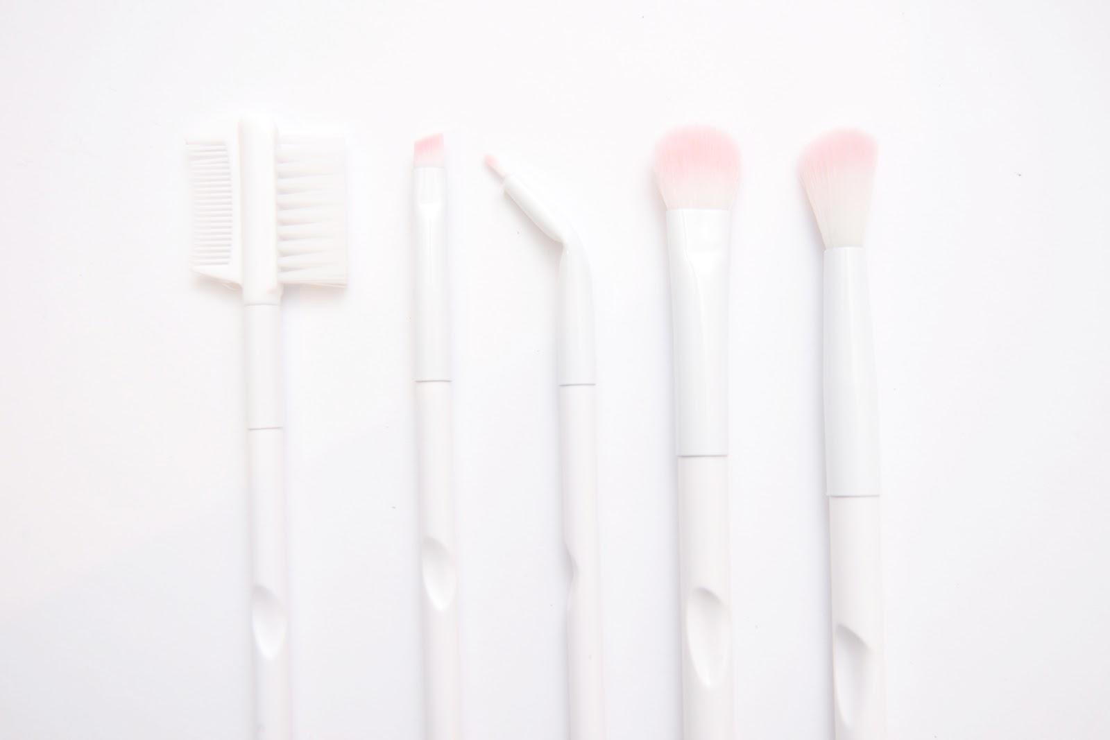 It Cosmetics x ULTA Love Beauty Fully Angled Liner/Brow Brush #217 by IT Cosmetics #15