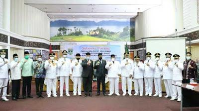 Usai Pelantikan, Gubernur Rakor dengan Kepala Daerah se-Sumbar, Ini yang Dibahas