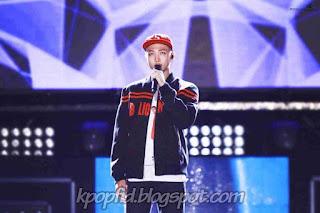 Foto Rap Monster BTS saat bernyanyi di panggung
