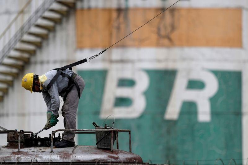Greve de trabalhadores paralisa atividades em usinas de biocombustíveis na Bahia - Portal Spy