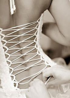 Модное орудие пыток - корсет- MIXED
