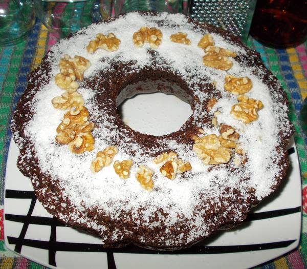 Bolo de aveia com chocolate e frutos secos