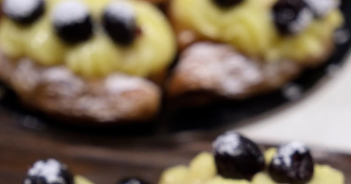 La tradizione napoletana: 'mpustarelle e sfogliatelle