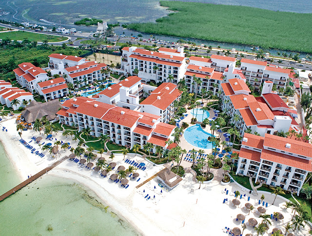 The Royal Cancun Resort is the place you are looking for, a nice Cancun hotel offering All Inclusive plan with all the benefits and amenities. Book now!