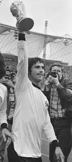 """وفاة الألماني """"جيرد مولر"""" هداف كأس العالم 1970"""