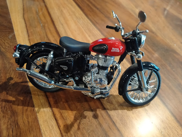 Royal Enfield scale model