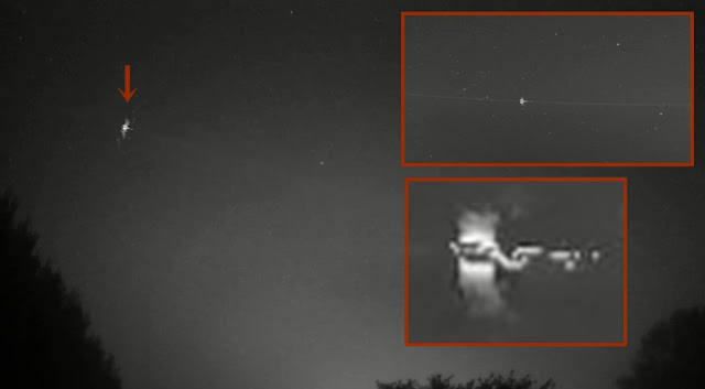 Meteoroid bouncing back into Space?  Ufo-meteoroid-%2Bspace