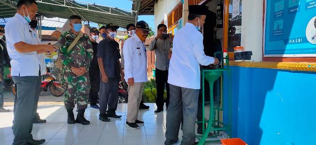 Bupati Lobar Kunjungi Kantor Desa Kuripan Pastikan Kesiapan Ikuti Kampung Sehat