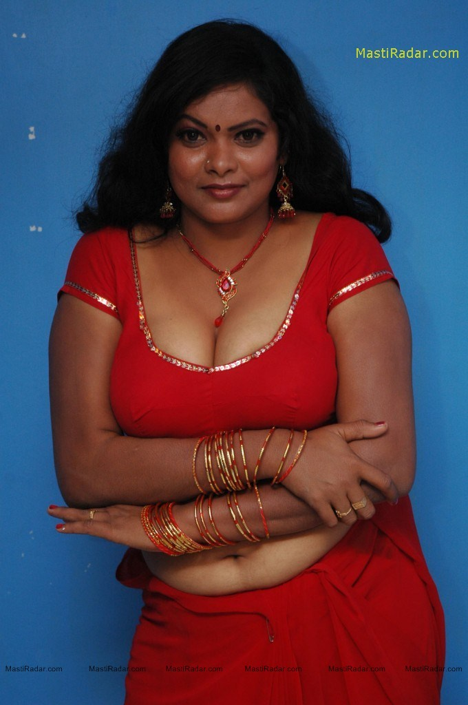 Auntie indian hot aunty