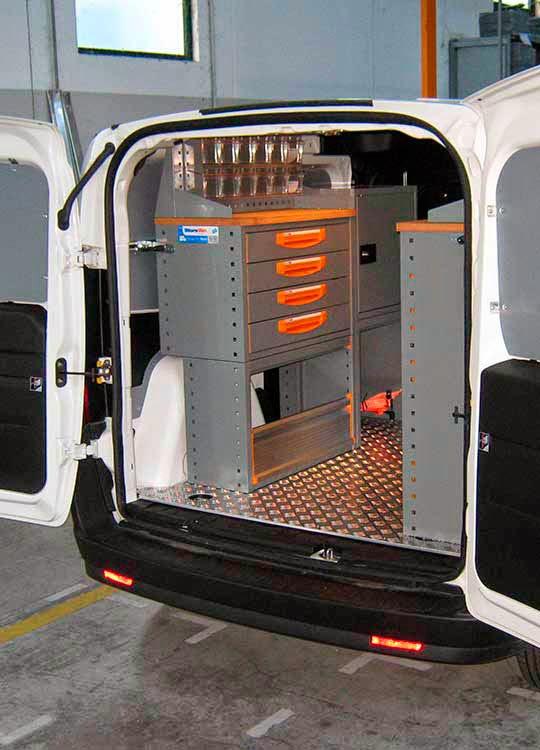 fahrzeugeinrichtung storevan ein fiat dobl l1 h1 wurde zur mobilen werkstatt des monats. Black Bedroom Furniture Sets. Home Design Ideas