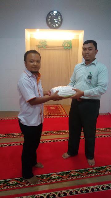 Laundrymu bersama staf Bank Syariah Mandir (BSM) Cab. Jember