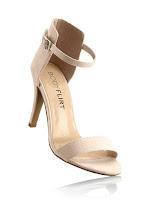 Sandale cu culori în tendințe și un toc de 9 cm