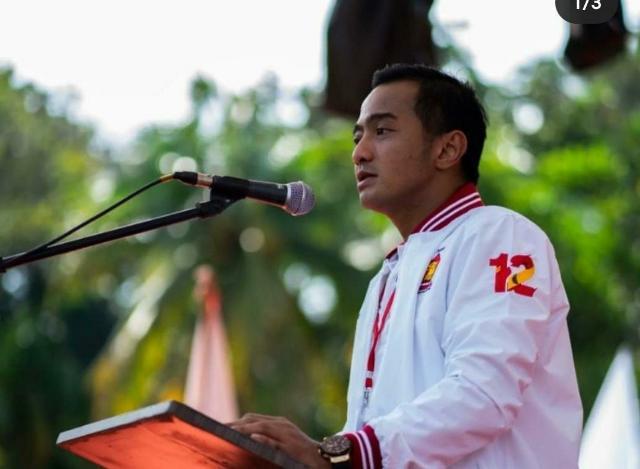 Ketua Fraksi Gerindra-PAN Soroti Bantuan Jaring Pengaman Sosial Di Kota Tangsel >> https://www.onlinepantura.com/2020/05/ketua-fraksi-gerindra-pan-soroti.html