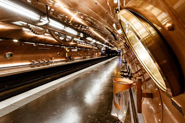 As estações de metrô mais bonitas e diferentes de Paris - Arts et Métiers