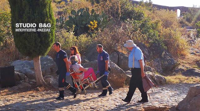 Επιχείρηση του ΕΚΑΒ στο Ναύπλιο για σοβαρό τραυματισμό τουρίστριας στο Παλαμήδι (βίντεο)