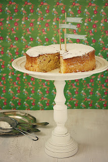 http://www.greencooking.pl/2013/02/ciasto-kokosowo-ananasowe.html