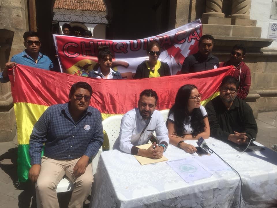 Tejada, Klinsky y Rojas en conferencia de prensa en Sucre / FACEBOOK G-21