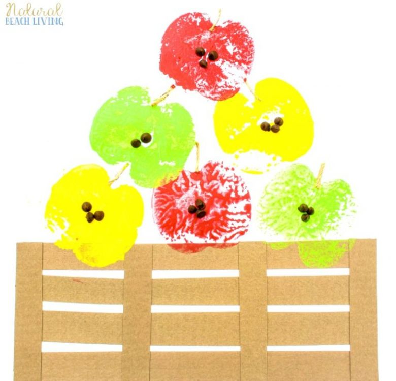 apple stamping autumn craft for kids