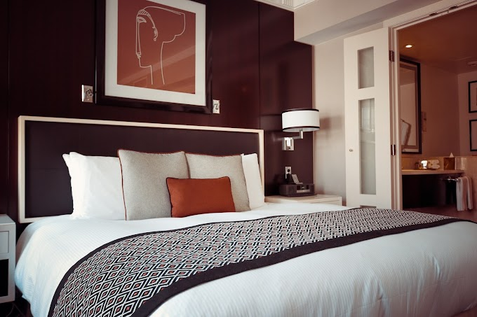 Simple Ways to Make Your Bedroom Feel Like a Luxury Hotel