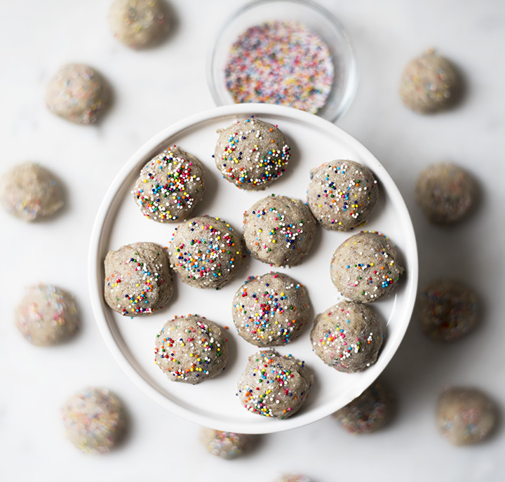 Got A Craving For Sweet Vanilla Birthday Cake Make These Perfectly Sized Protein Bites That Taste Just Like Eating Delicious Bite Of