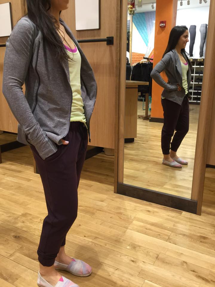 lululemon-bhakti-yoga-jacket jet-crop