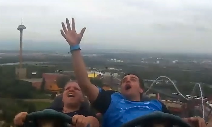 Catches An iPhone On A Roller Coaster, Wows The Internet