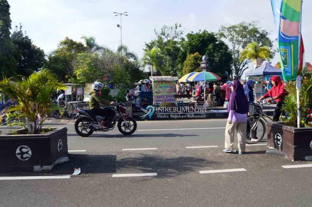 PKL Alun-alun Kebumen Diizinkan Jualan Siang Malam