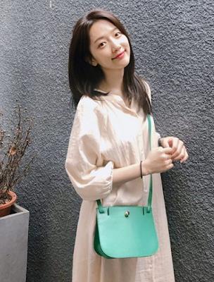 "2018 11th Korea Drama Award - Populer Character - Award Female (""What's Wrong with Secretary Kim"")"