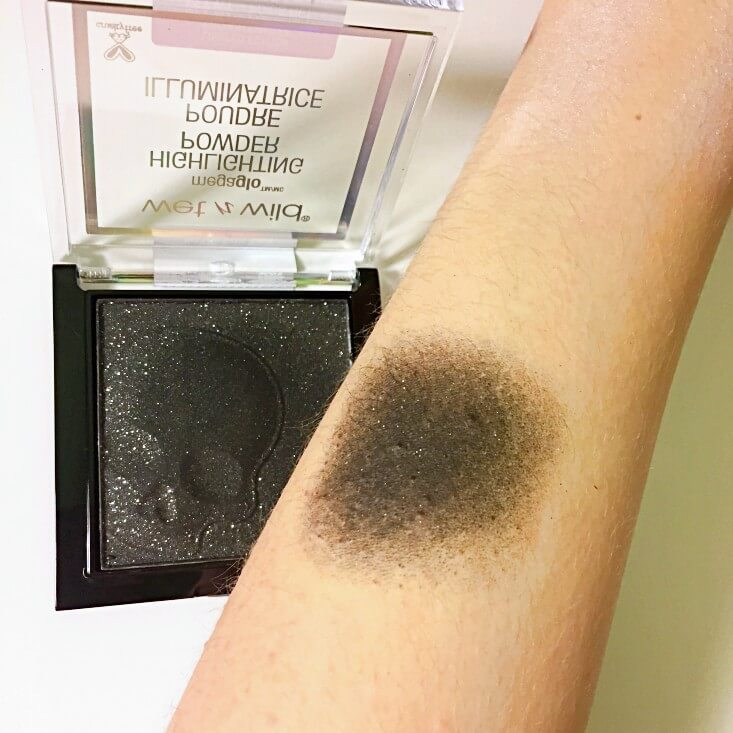 wet n wild Fantasy Makers megaglo Highlighting Powder Not Your Basic Witch swatch