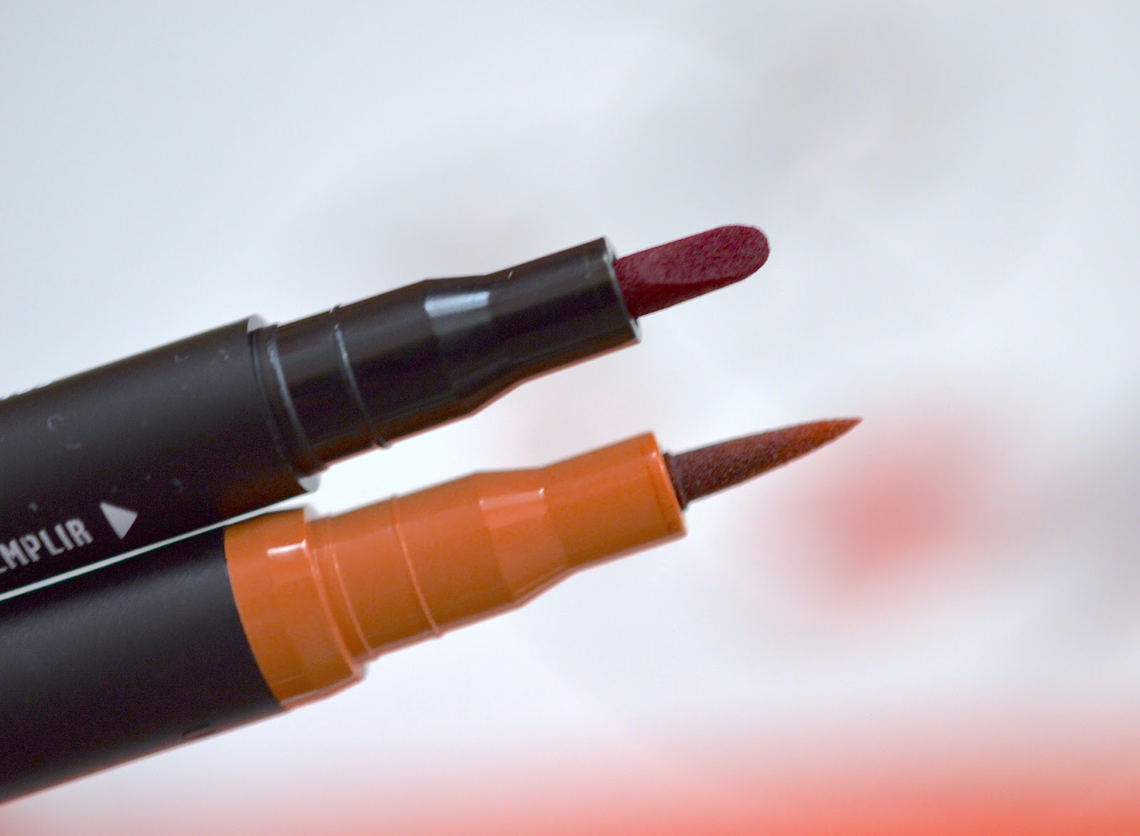 AVON 2-in-1 Lip Tattoo Lip Line & Fill Duo Review
