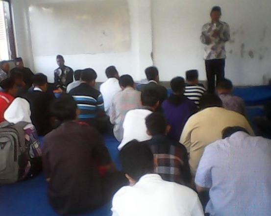 Pengajian ahad istimewa di SMK Muhammadiyah Patrang Jember oleh ustadz H. Kusno, S.Ag, M.PdI