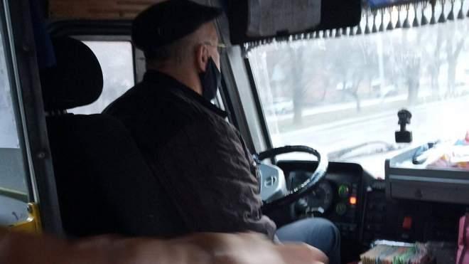 На Львівщині водій маршрутки кричав на учасника АТО та назвав свинею...
