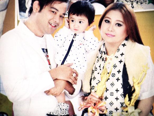 Htet Htet Moe Oo's Lovely Family Life | Myanmar Celebrity Couple Photos!