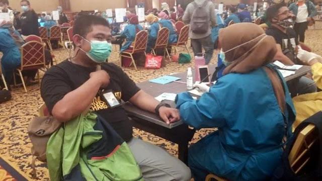 Dikira Efek Samping, Jurnalis di Bogor Positif COVID-19 Usai Divaksin
