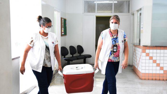 Catanduva recebe doses da Astrazeneca/Oxford e amplia vacinação