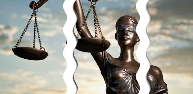 Prinsip hukum tersebut selanjutnya terjelma dalam peraturan perundang-undangan dan putusan hakim dalam bentuk hukum positif dan dapat ditemukan dengan mencari sifat-sifat umum dalam peraturan konkrit tersebut.
