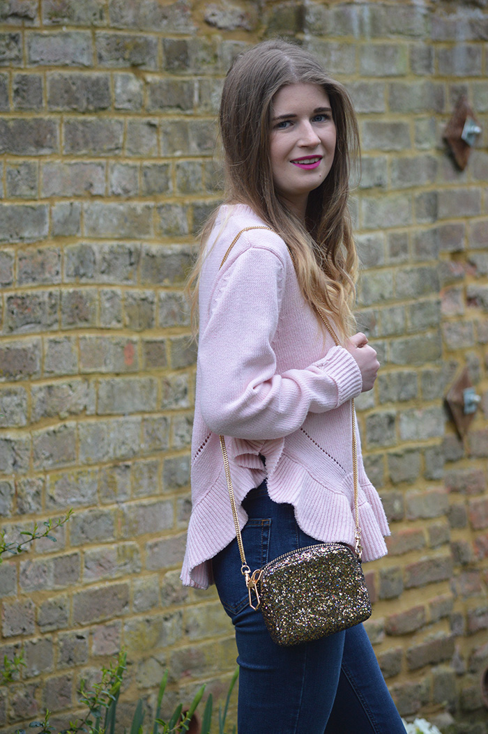 Shopping in charity shops fashion bloggers